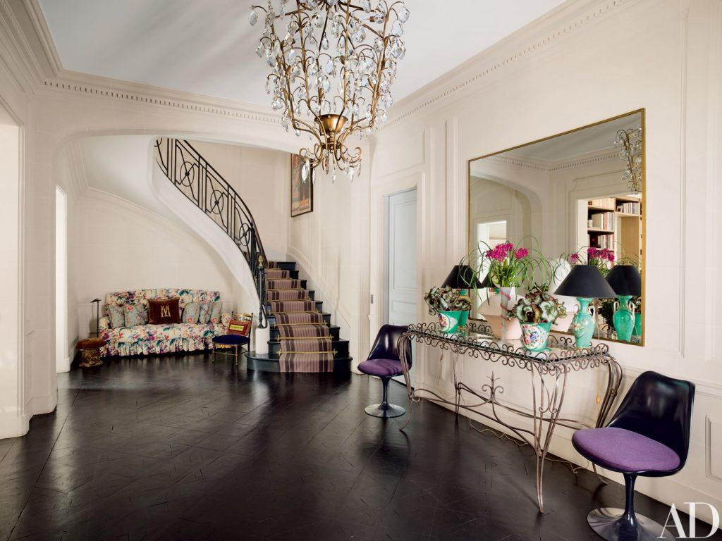 look inside an ultra-chic Paris home look inside an ultra-chic Paris home Look Inside an Ultra-Chic Paris Home 0915 AD MATH03 02 1024x768