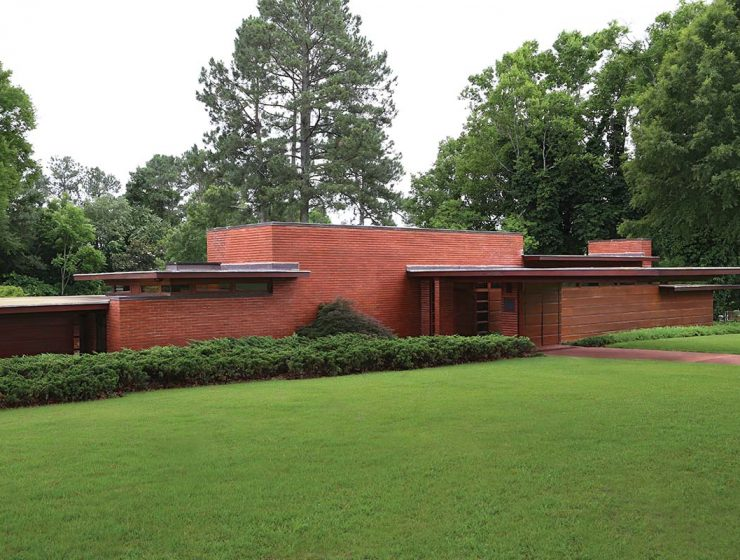 5 Must-See Frank Lloyd Wright Buildings in the South 5 Must-See Frank Lloyd Wright Buildings in the South front house1 740x560
