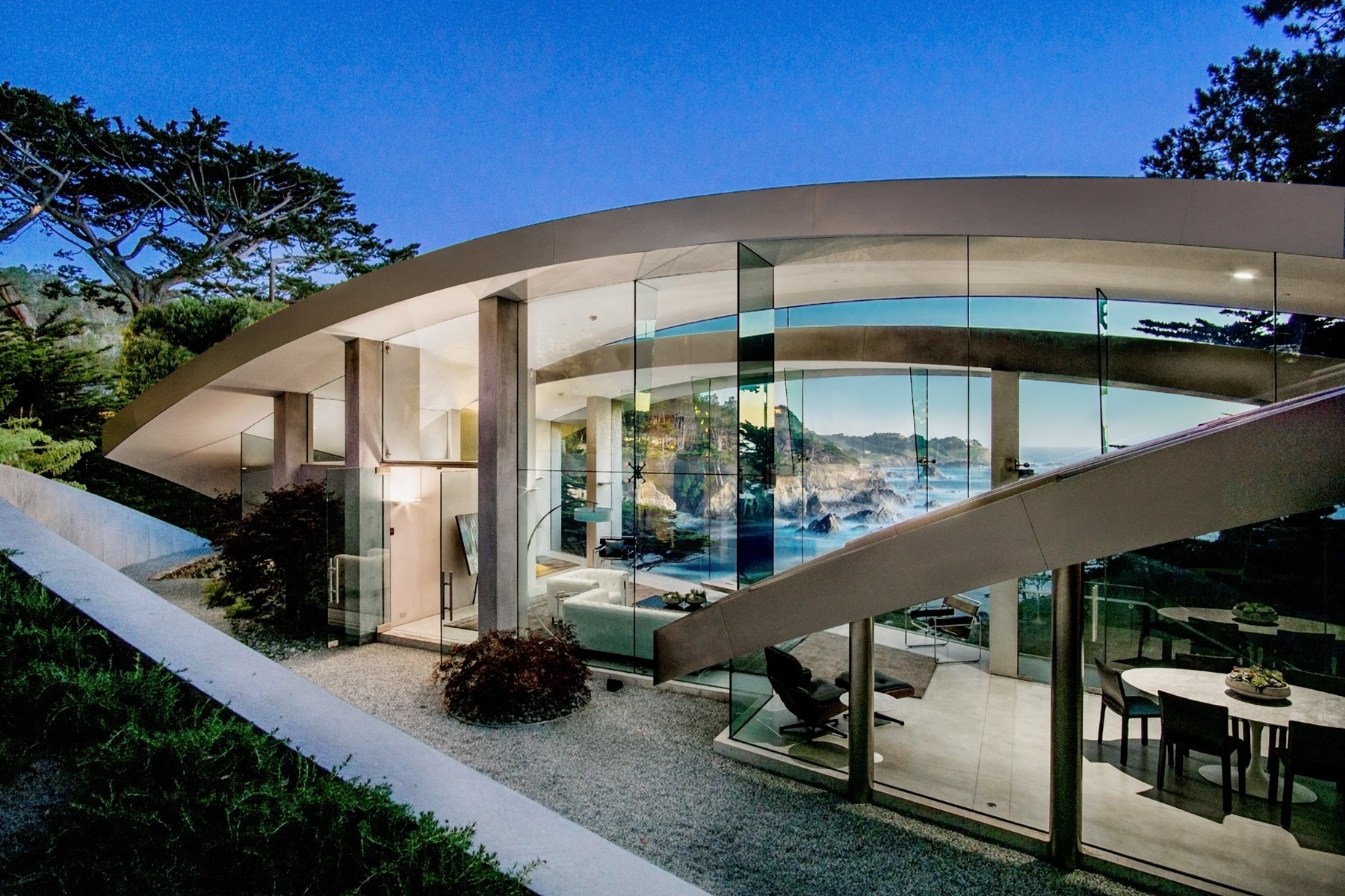 Beautiful luxury homes across the world for Glass houses for sale in california