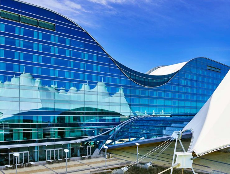 Airport Hotels Around The World Fantastic Airport Hotels Around The World The Westin Denver International Airport Exterior Close 740x560