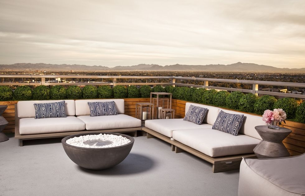 Luxury Terrances and Rooftops Luxury Terrances and Rooftops 5 Luxury Terrances and Rooftops For Your Summer Parties daniella villamil 1500477735