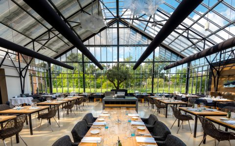 stunning glass restaurants around the world Stunning Glass Restaurants Around The World transferir 1 480x300