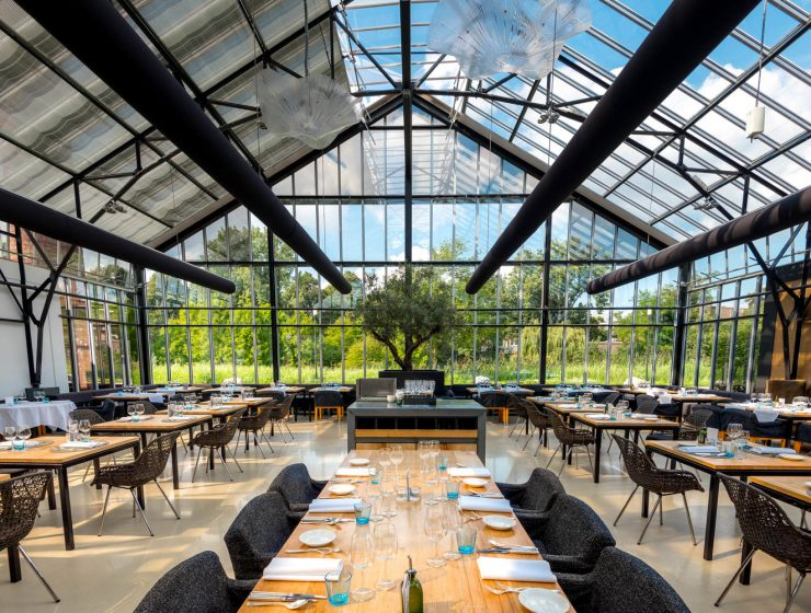 stunning glass restaurants around the world Stunning Glass Restaurants Around The World transferir 1 740x560