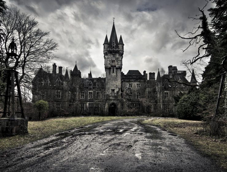5 Scary Trips 5 Scary Trips For Your Halloween old castle 1 740x560