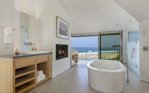 Ellen Degeneres Beach House Discover the Luxury Bathroom from Ellen Degeneres Beach House ellen master bathroom 480x300