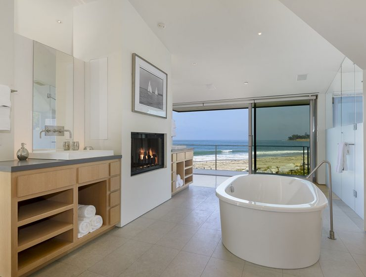 Ellen Degeneres Beach House Discover the Luxury Bathroom from Ellen Degeneres Beach House ellen master bathroom 740x560