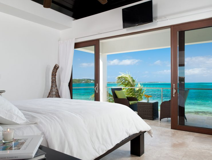 amazing ocean views Bedrooms with Amazing Ocean Views 5fba223e308f306f733fa1de834d2f14 740x560