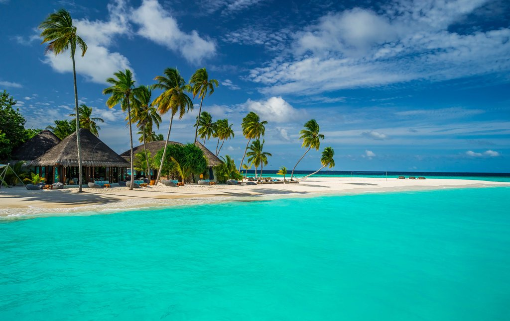 summer vacation The Hottest Destinations for a Summer Vacation in 2018 Maldives