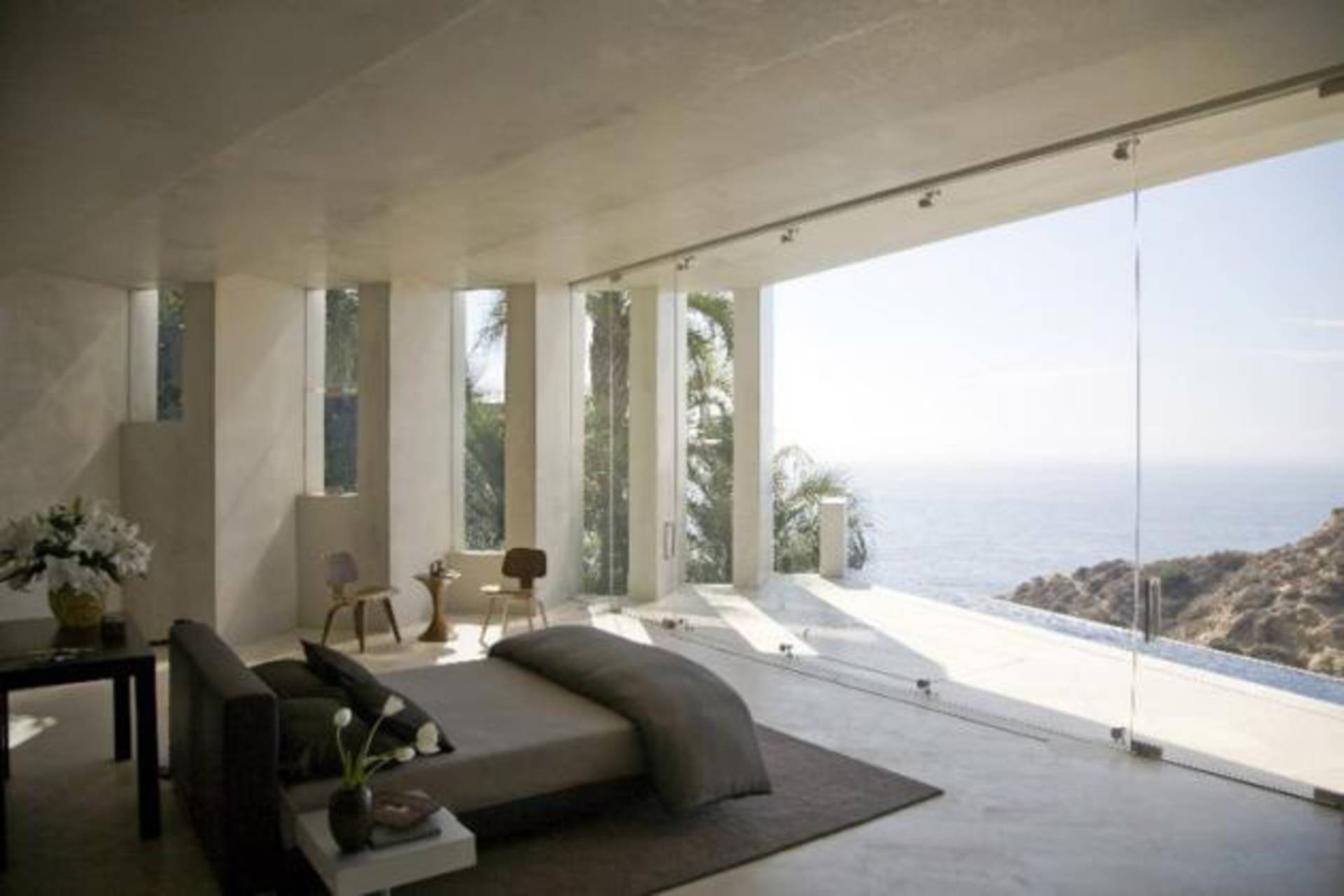 amazing ocean views Bedrooms with Amazing Ocean Views magnificent razor residence in california by wallace e cunningham 15
