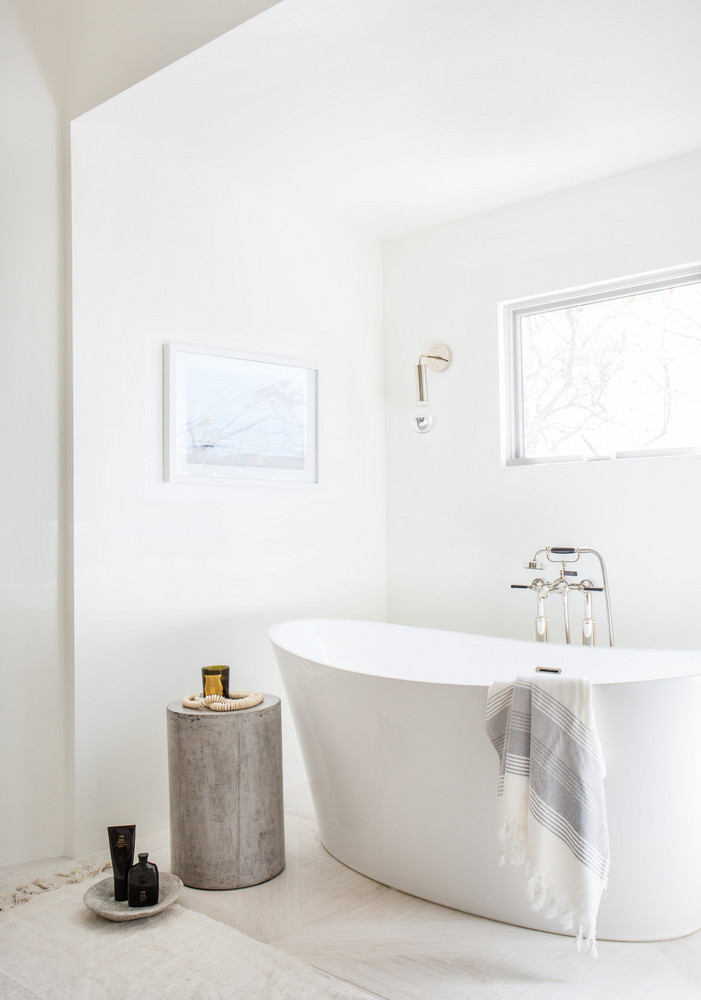 Interior design, summer, trends for 2018,  bathroom color schemes The Boldest Bathroom Color Schemes to Explore this Summer this serene malibu home makes us wish it was summer 5aa34c2d604f27084a0d70b9 w1000 h1000