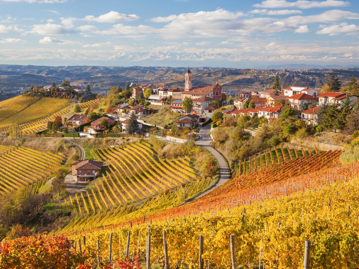 fall trips, travel, fall. 2018, travelling,  fall trips Inspiring Fall Trips for 2018 Trips to Fall 2018 piedmont italy