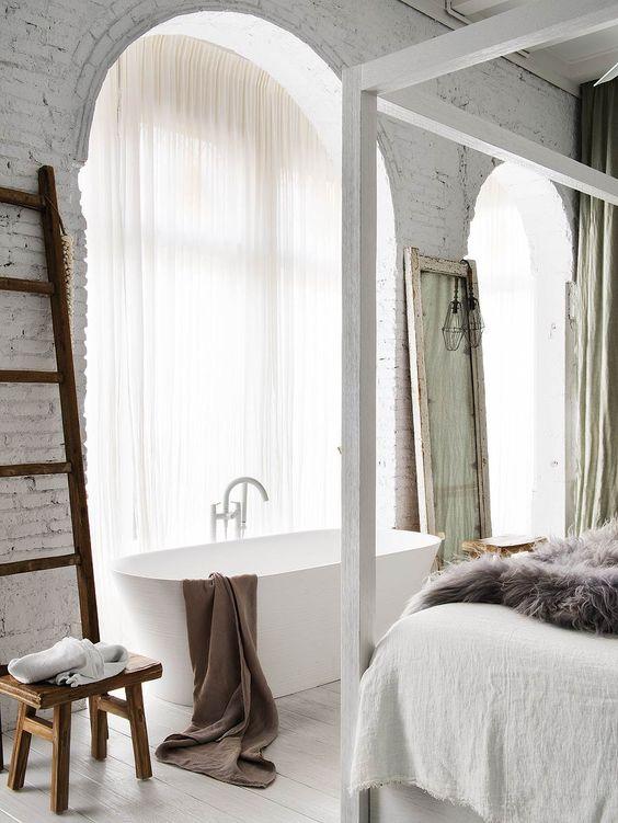 bathtub in the master bedroom, luxury, bedroom, bathtub, interior design bathtub in the master bedroom A Bathtub in the Master Bedroom: 7 Winning Designs bathtub in the master bedroom