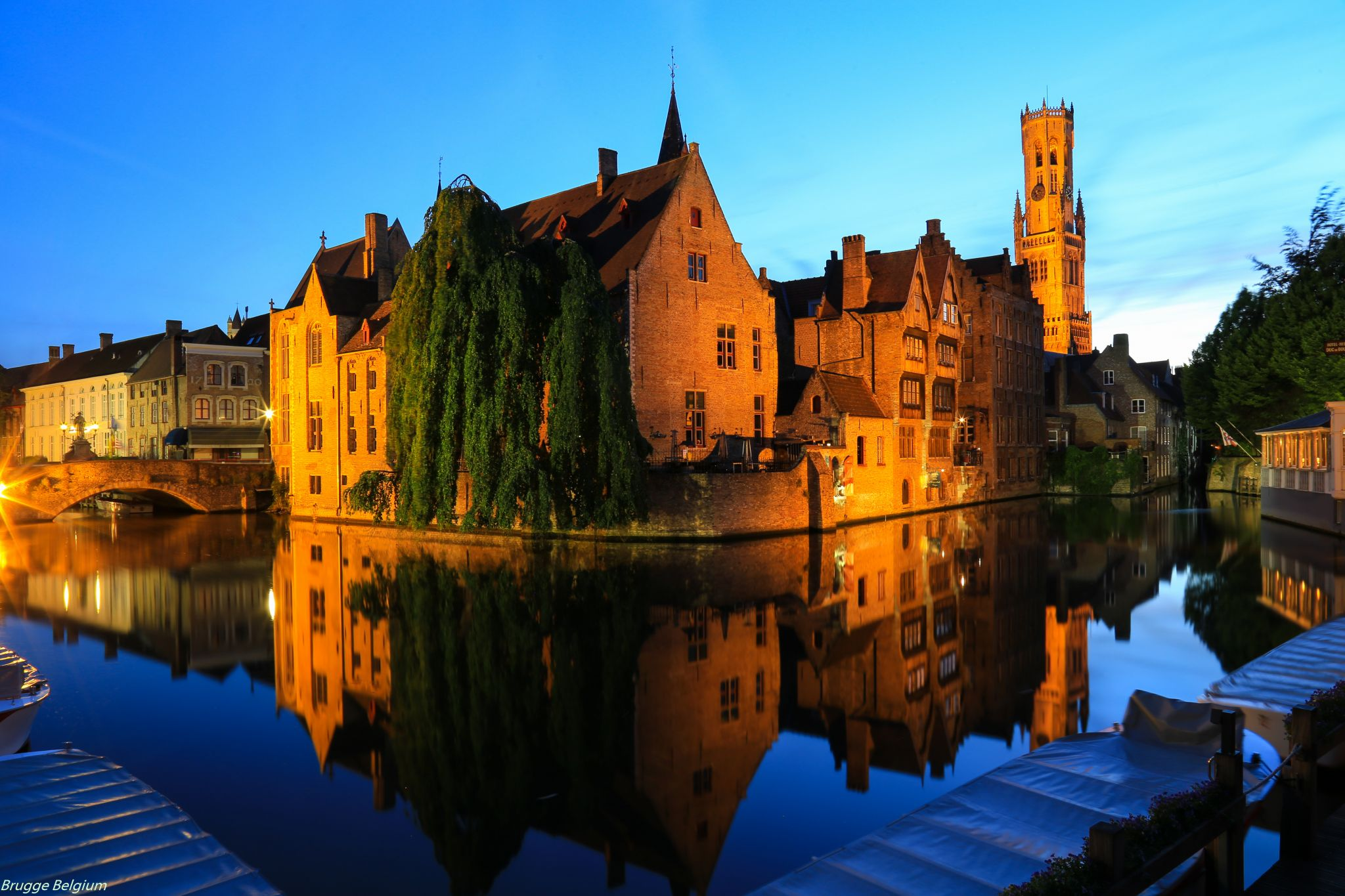 fall trips, travel, fall. 2018, travelling fall trips Inspiring Fall Trips for 2018 bruges fall trips 2018