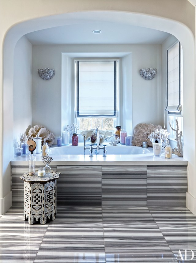 bathroom celebrity bathrooms 7 Celebrity Bathrooms that will Blow your Mind celebrity bathroom  kloe kardashian
