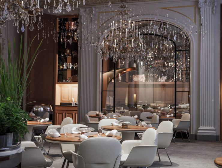 most luxurious restaurants Heaven on a Plate – The Most Luxurious Restaurants in the World luxury restaurants1 740x560