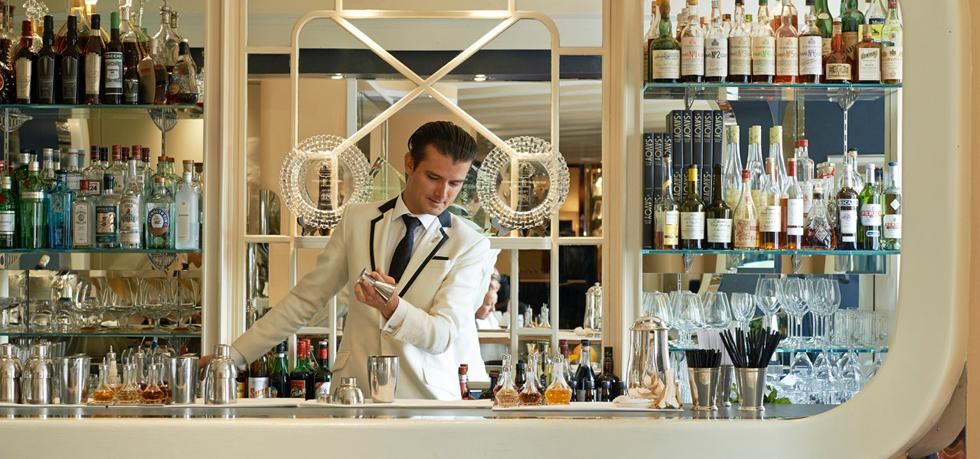 iconic hotels, luxury, hotel iconic hotels Iconic Hotels Around the World: The Savoy, London the savoy hotel bar
