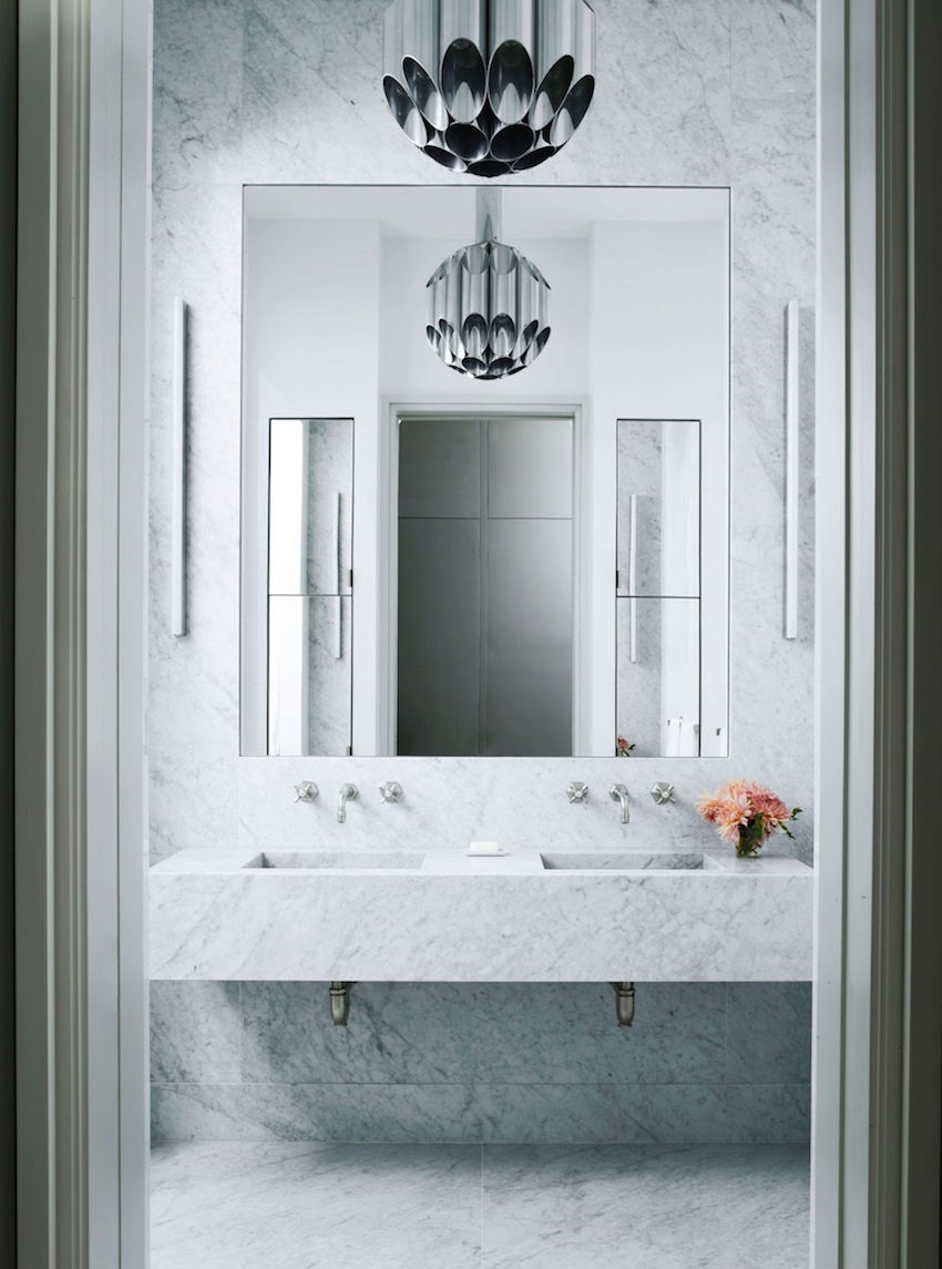 wall mirror ideas,  wall mirror ideas Wall Mirror Ideas to Inspire Lavish Bathroom Designs 10 Striking Mirror Ideas to Inspire Luxury Bathroom Designs 3