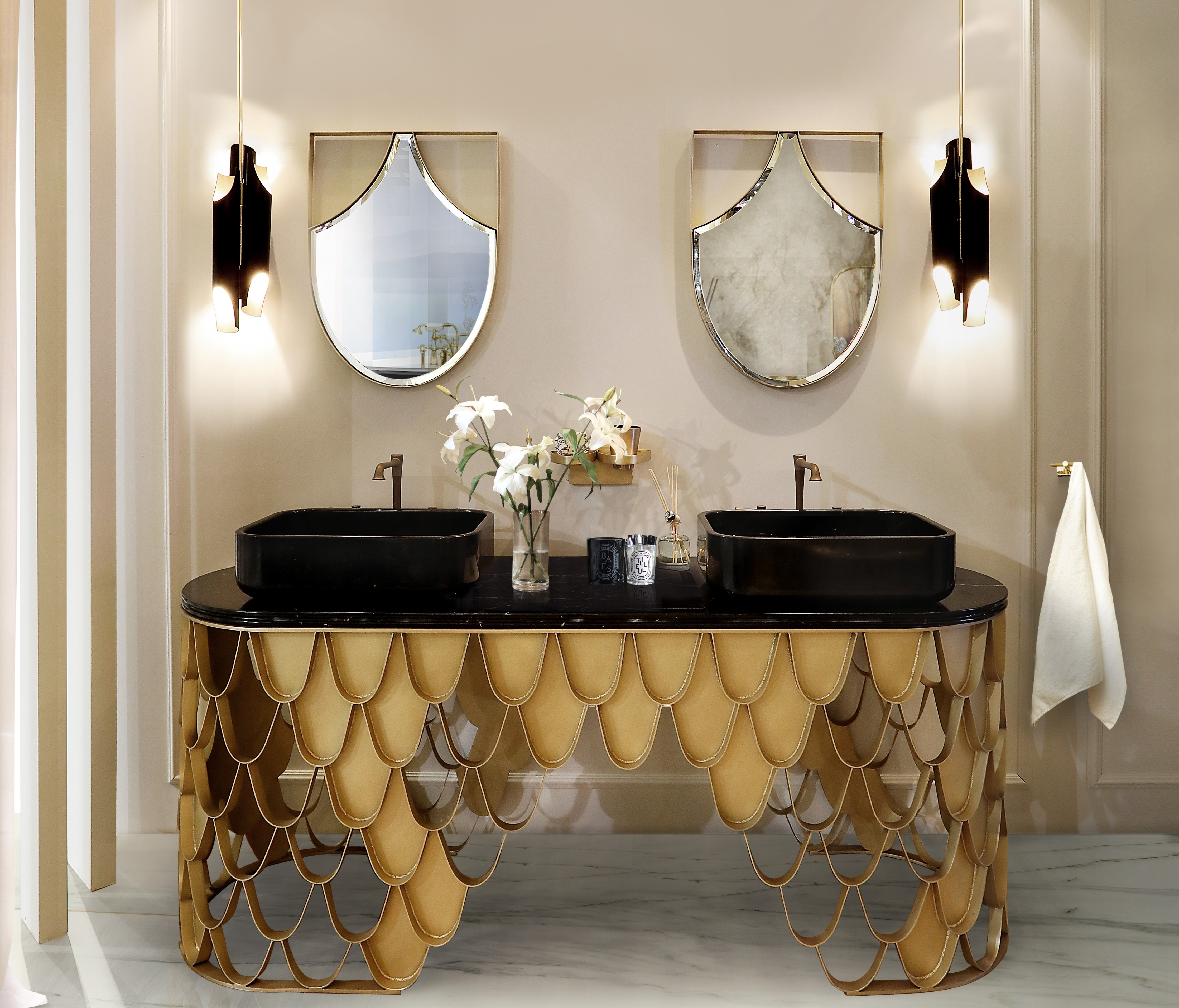 7 Amazing Bedroom Decorating Trends To Watch For 2018: Wall Mirror Ideas To Inspire Lavish Bathroom Designs