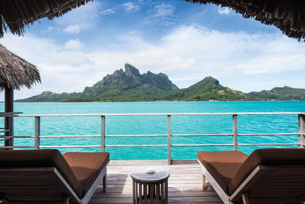 best hotel spas, spa, luxury, inspirations, spa treatments best hotel spas Pamper Yourself : 7 of the World's Best Hotel Spas world spas bora bora