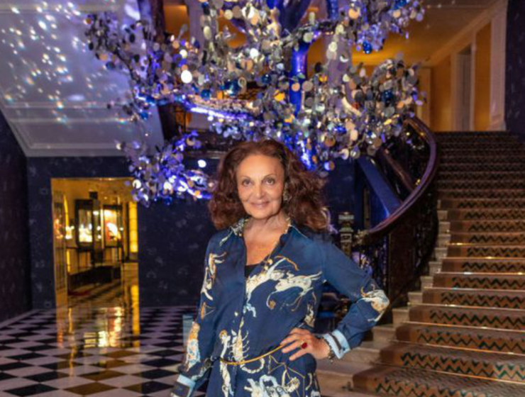 claridge's christmas tree 2018 Discover All About Claridge's Christmas Tree 2018 2132 740x560