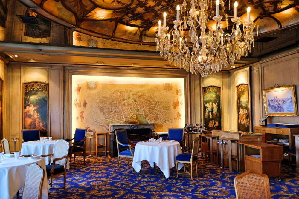 The Most Luxury Places to Eat In Paris 2019 The Most Luxury Places to Eat In Paris 2019 The Most Luxury Places to Eat In Paris 2019 The Best Luxury Restaurants in Paris 04