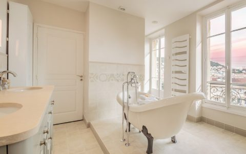 luxoria interiors Luxoria Interiors: Bathroom Design and Decoration Luxoria Interiors  Bathroom Design and Decoration 480x300