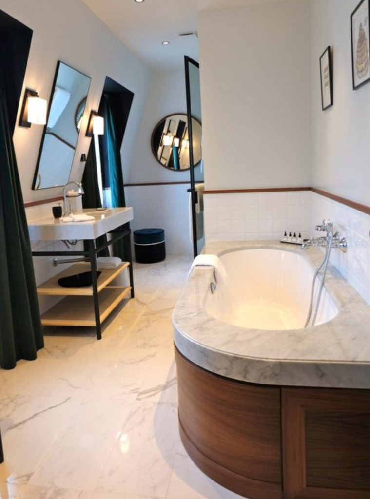 Fascinating Bathrooms from the best Interior Designers of Paris  fascinating bathrooms from the best interior designers of paris Fascinating Bathrooms from the best Interior Designers of Paris 18