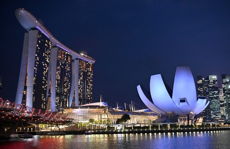 20 Bathroom Creative Choices by Top Singapore Interior Designers
