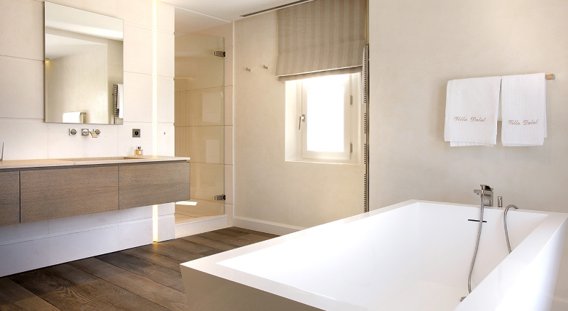 Extraordinary Master Bathroom Projects by SAS COLLECTION PRIVEE extraordinary master bathroom projects by sas collection privee Extraordinary Master Bathroom Projects by SAS COLLECTION PRIVEE Villa Dalal Project 2
