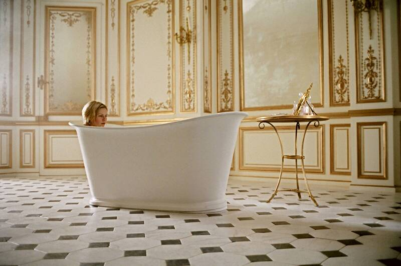 Bathroom Designs From Iconic Movies That Impress bathroom designs Bathroom Designs From Iconic Movies That Impress Bathroom Ideas Iconic Bathrooms from Hollywood Gems 8