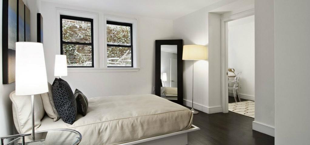 Bedroom Decor Ideas: Wooden Mirrors