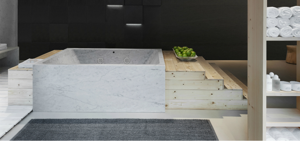 Bathroom Trends: First Whirlpool Tub Carved from Marble