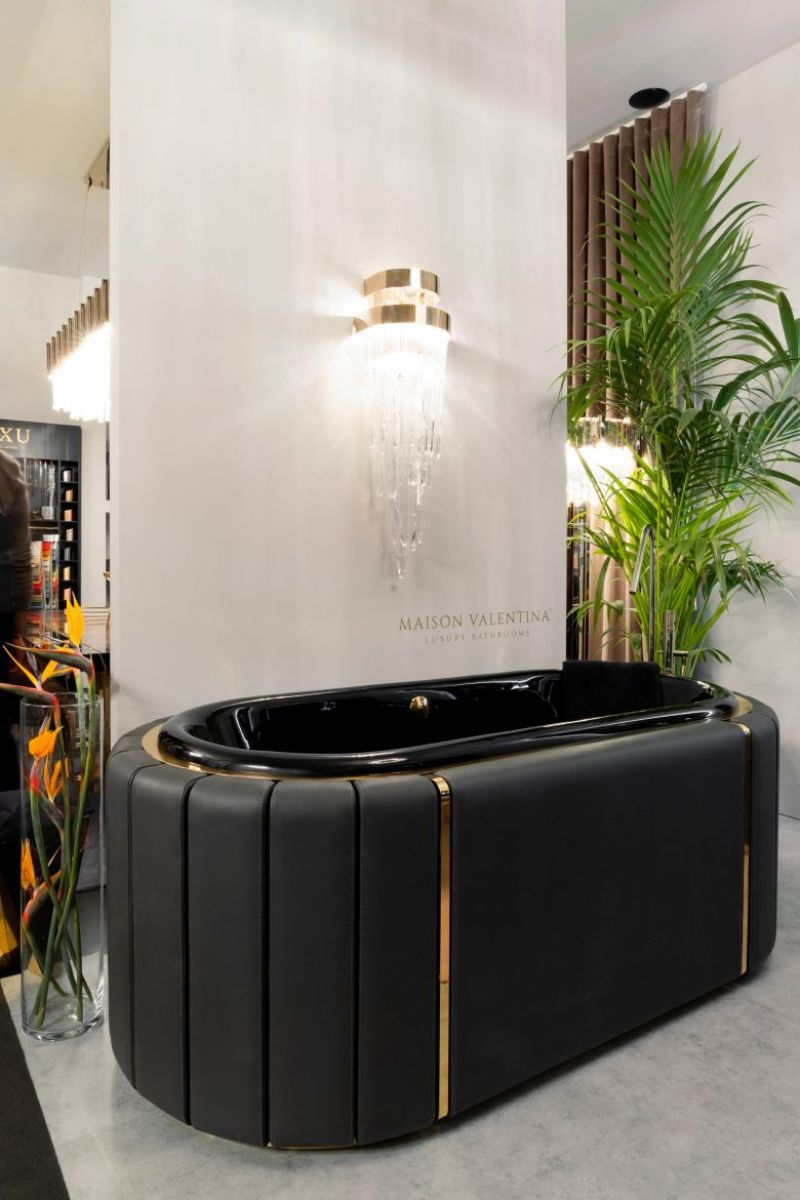 Black and Gold Bathroom Design 5 Pieces to Support this Combo black and gold bathroom design Black and Gold Bathroom Design: 5 Pieces to Support this Combo Black and Gold Bathroom Design 5 Pieces to Support this Combo 1